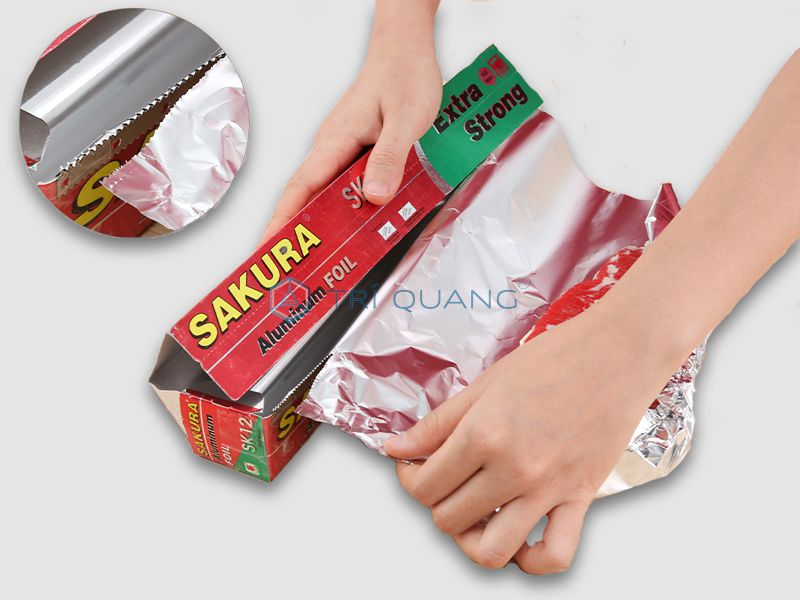 Food foil is made from a material that retains heat well