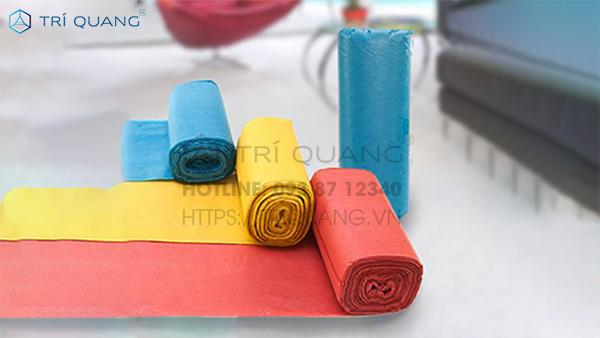 Túi cuộn xé HDPE được sử dụng khá phổ biến hiện nay