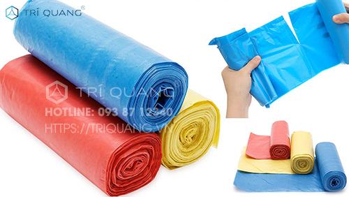 Các mẫu túi đựng rác hiện nay được thiết kế thành cuộn, mang đến tính tiện ích cho người sử dụng