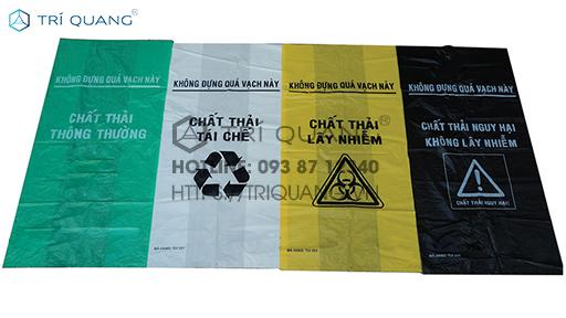 Sử dụng túi đựng rác thải y tế chuyên dụng giúp hạn chế tối đa những tác động của 1 số rác thải độc hại