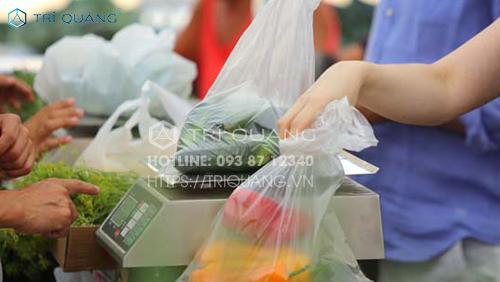 Nguyên liệu sản xuất bao nilong đều sẽ được kiểm định nghiêm ngặt trước khi đi vào quy trình sản xuất chi tiết