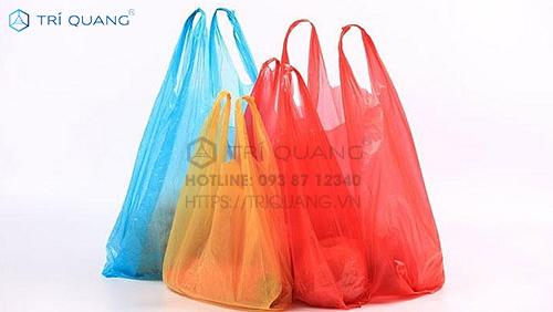 Khách hàng có thể cân nhắc, chọn mua túi với tiêu chuẩn an toàn được đảm bảo hàng đầu