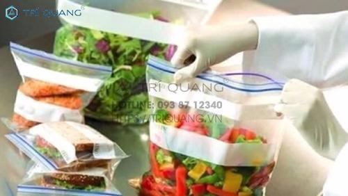 Dựa vào nhu cầu, mục đích sử dụng mà có thể chọn mua túi zip đựng thực phẩm với kích cỡ phù hợp