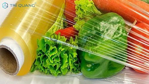 Chọn nhà phân phối bao bì nhựa đa dụng cần cân tối giữa nhiều yếu tố