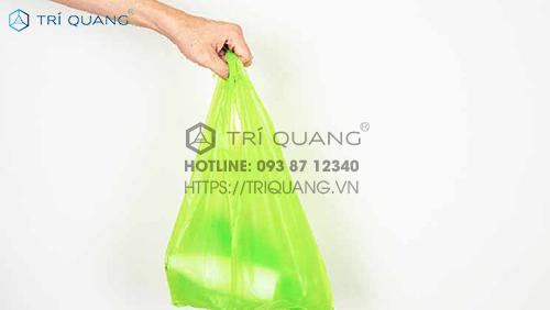 Đội ngũ nhân viên tại Trí Quang tận tâm, chuyên nghiệp, tư vấn, giải đáp mọi thắc mắc cho khách hàng